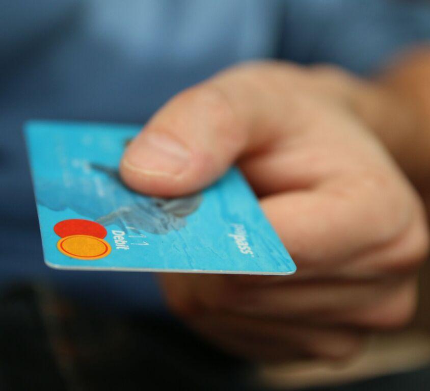 Låna pengar trots betalningsanmärkning - Vi guidar dig